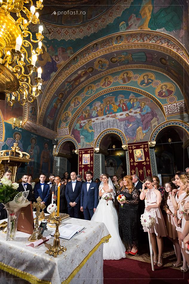150509-18-fotografii-nunta-interior-biserica-Sf.-Precista-galati